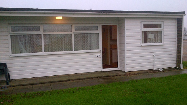 Kerr chalet pet friendly holidays hemsby great yarmouth for Great accommodation